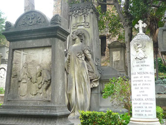 Every Poem an Epitaph: The Protestant Cemetery in Rome