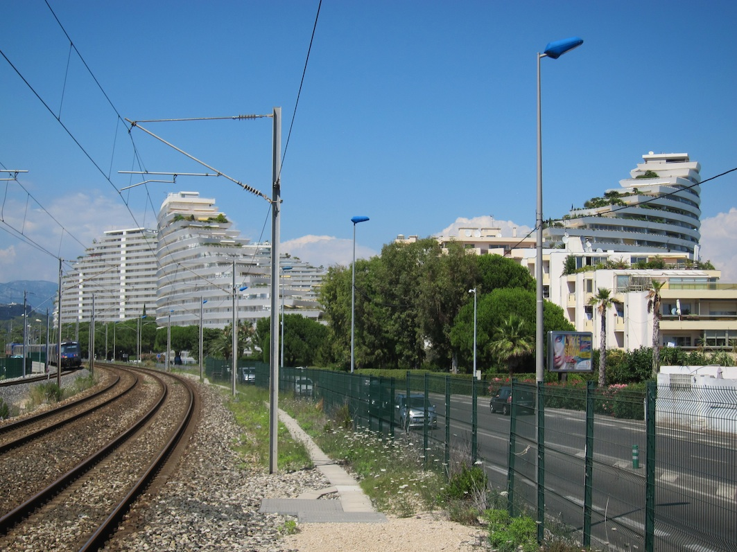 Tracking the locations of j g ballard s super cannes for Piscine marina baie des anges