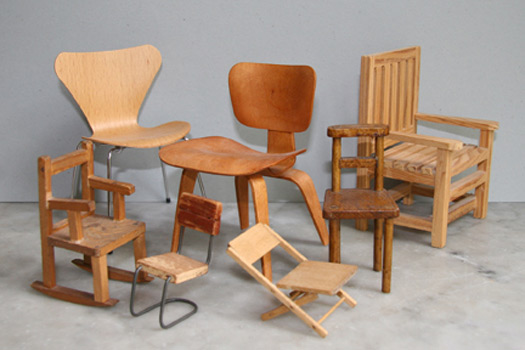 Laura tarrish s collection of miniature chairs slideshow for Mini designer chairs